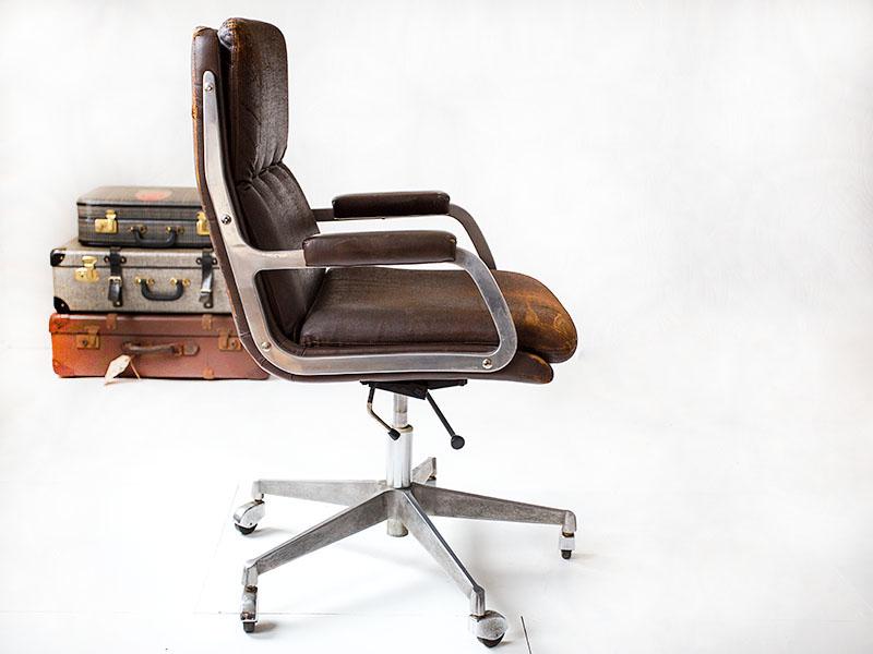 Vintage Design Bureaustoel.Vintage Bureaustoel Die Zijn Leeftijd Toont Sold Vintage