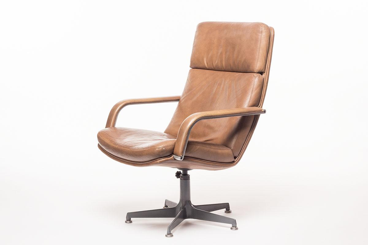 Artifort Bureaustoel Vintage.Vintage Artifort F141 Lounge Chair Sold Vintage Furniture Base